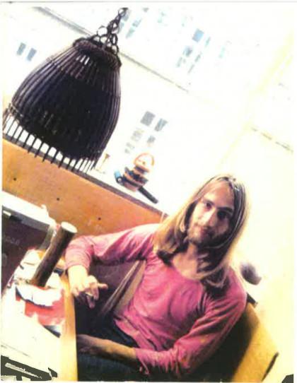 Piotr Marek w kawiarnii w Berlinie, połowa lat 70.